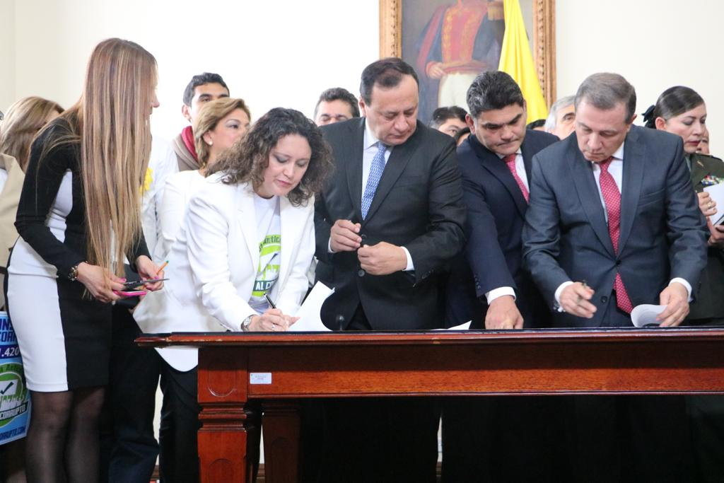 Photo of ¡RADICADO PAQUETE ANTICORRUPCIÓN!